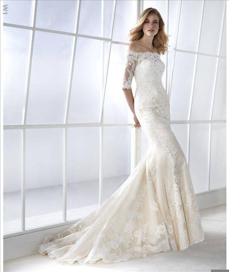 Robe de mariée FAMOSA, Bordeaux, 2019, White one, Fashion Group Pronovias